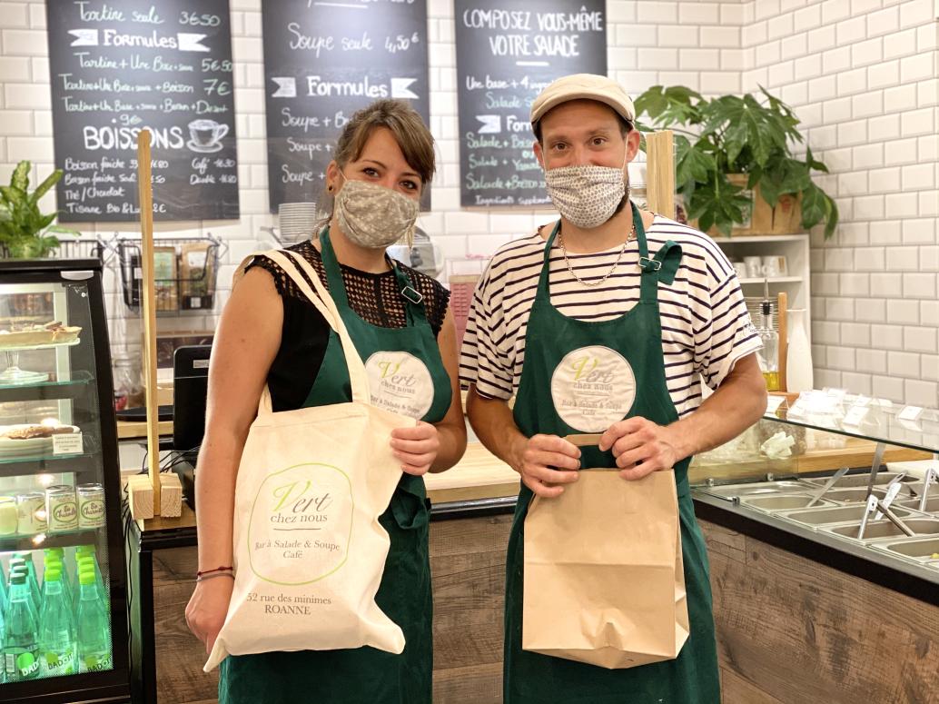 Anais et JB, les propriétaires du restaurant Vert Chez Nous
